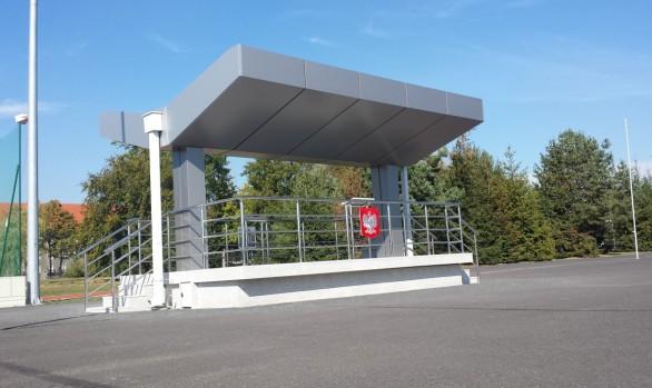 Wykonanie projektu i remont budynku nr 46 (trybuny) na placu musztry na terenie JW 1245 we Wrocławiu