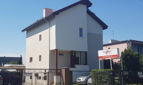 Nadbudowa budynku mieszkalnego jednorodzinnego o dodatkową kondygnację w stanie deweloperskim przy ul. Krzemienieckiej 66 we Wrocławiu